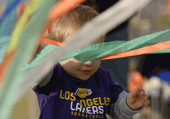Puzzle d'un enfant supporter des lakers