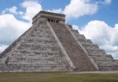 le temple  kukuclan au mexique