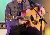 Puzzle gratuit Justin Bieber fait de la guitarre