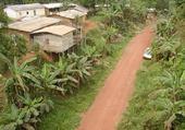Jeux de puzzle : un village camerounais