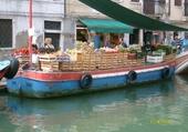 Puzzle marchand sur l'eau à Venise
