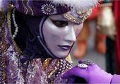 Puzzle Jeu puzzle costume violet