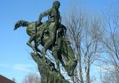 Un Amérindien sur sa monture