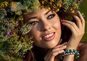 Puzzle femme dans les fleurs