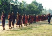 Bonzes en Birmanie