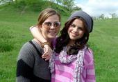 Selena est sa Maman