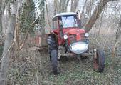 Vieux tracteur au boulot