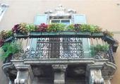 Puzzle balcony