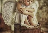 un ptit ange triste