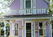 Façaddes - Purple gingerbread hou