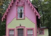Façades - Pink Cottage