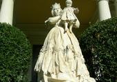 Isabel II tenant son fils Alfons