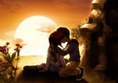 couple sous le coucher de soleil