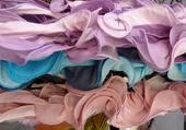Puzzle Les foulards du marché