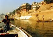Petit matin sur le Gange