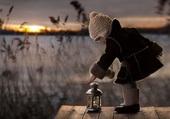 enfant à la lanterne