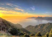 Puzzle coucher de soleil sous la brume