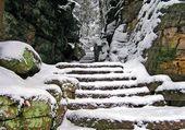 Escaliers sous la neige