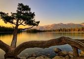 Lac et crépuscule