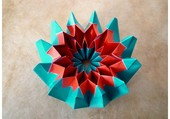 Origami rouge et bleu