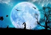 femme dans la lune