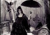 Belle au parapluie