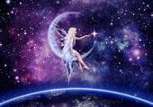 fée sur une croissant de lune