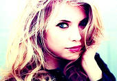 Ashley Benson dans Pretty Little Liars