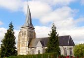 Eglise avec cloher tors