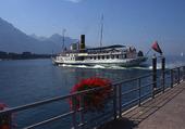 bateau à vapeur sur le lac léman