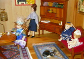 poupées au salon