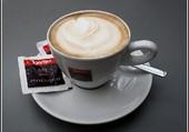 Un petit café.