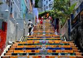 Puzzle montée des marches haute en couleur