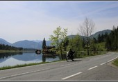 Le motard au Pillersee.