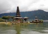 temple bedugul bali