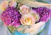 boite à chapeau fleurie par hélène