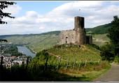 Chateau sur la Moselle.