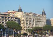 L'HOTEL CARLTON VU DE LA PLAGE