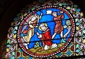 Un vitrail de la basilique Saint-Julien