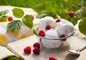 Boules de glace à la vanille