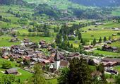 Le village de Gstaad en été