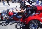 pat sur moto trois roues