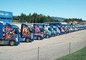 Superbes camions bien rangés
