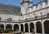 Cloître de l'Abbaye de Langonnet 56