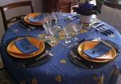 Diner en jaune et bleu .