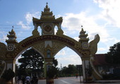 BIRMANIE entrée de Temple