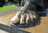 Le pied de Grégoire de Nin