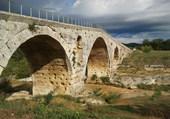 BONNIEUX Pont