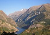 Le lac du Chambon et la Meije