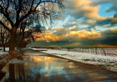 ciel nuageux et neige